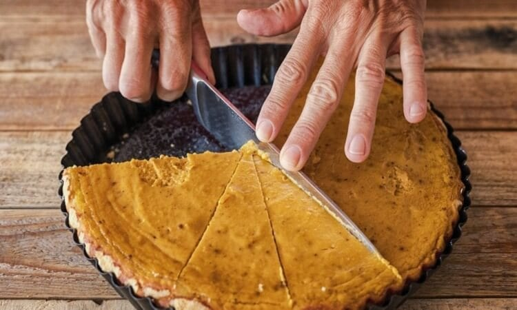 How To Use A Pie Cutter: An Easy Guide
