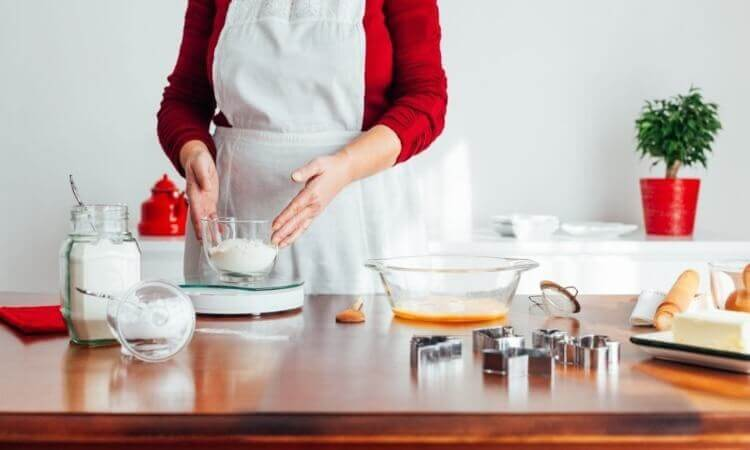 The 7 Best Cake Baking Tools For Beginners